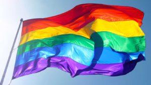 Clásicos y no tan clásicos que debes escuchar el Día del Orgullo