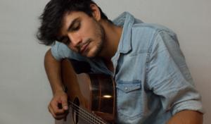 Mateo Latorre: «Para componer solo tengo una premisa, que te mueva algún tipo de emoción»