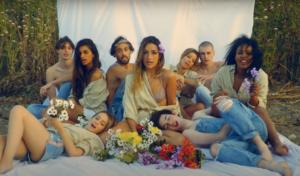 Belén Aguilera pone punto y final a su primer álbum con 'Republicanas'