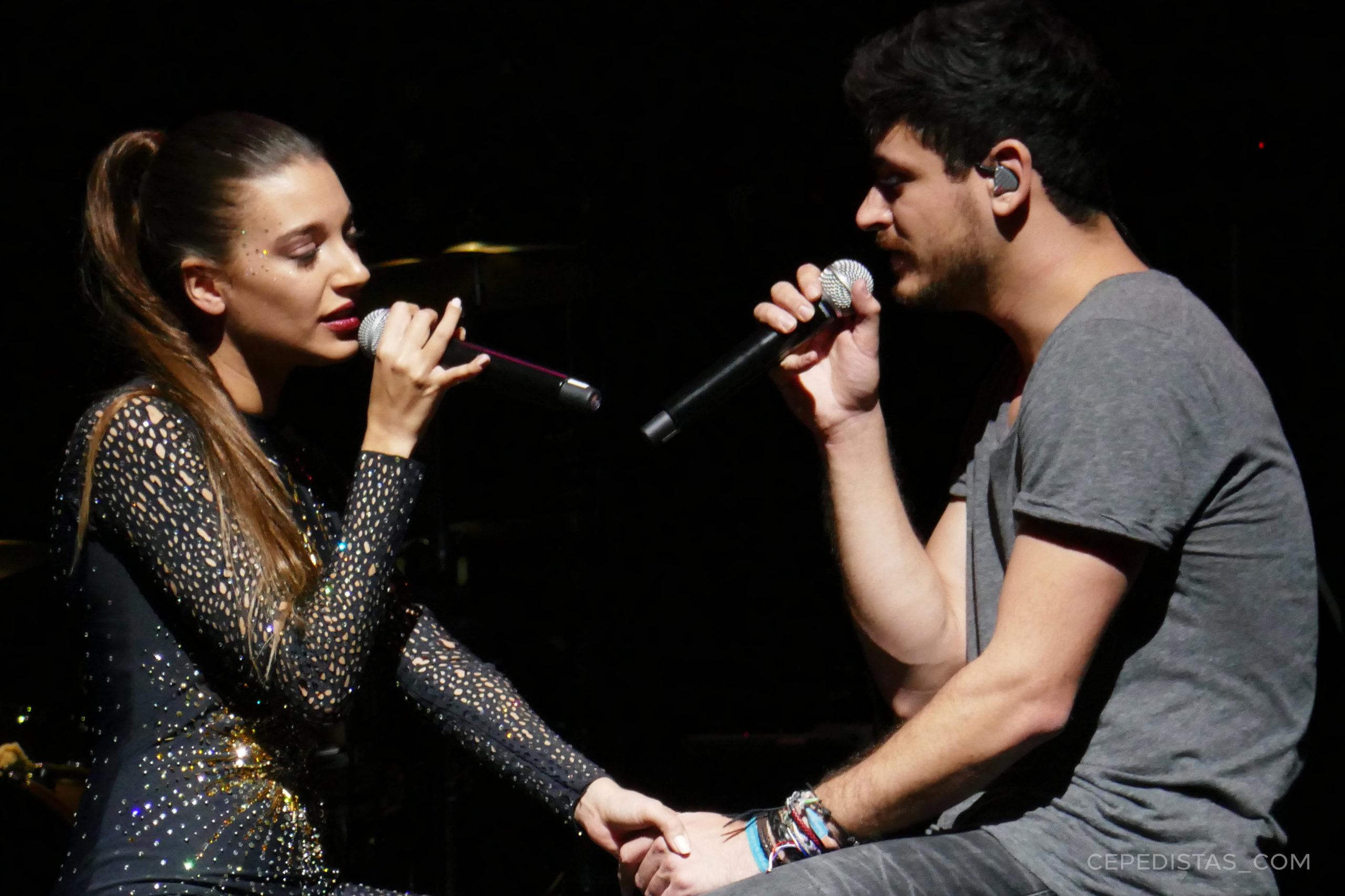 """Ana Guerra y Cepeda cantando """"Olvídame"""" en el Liceu de Barcelona. Fuente: Cepedistas."""