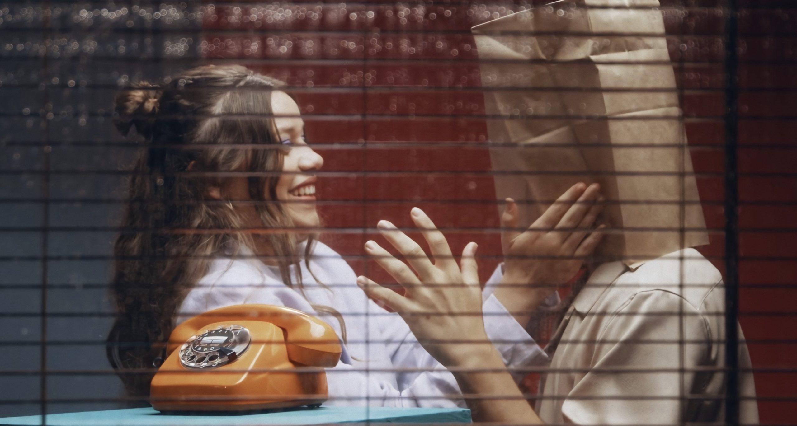 Eva B en el videoclip de su nuevo single 'América'.   Fuente: YouTube