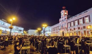 El sector cultural ha dicho basta, saliendo a la calle con la manifestación creada por Alerta Roja.