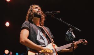 La banda Izal emociona encima del escenario del 'Madriz Summer Fest'
