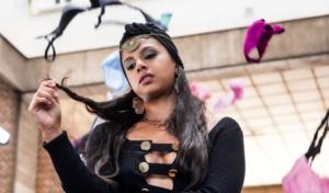 Tracy De Sá estrena su nuevo single 'Minifalda'
