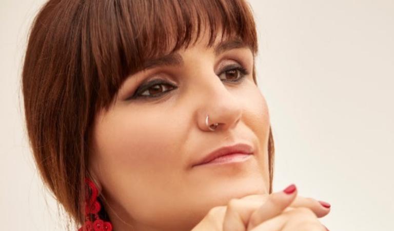Rozalén en el pódium de lista de ventas con su nuevo disco 'El Árbol Y El Bosque'