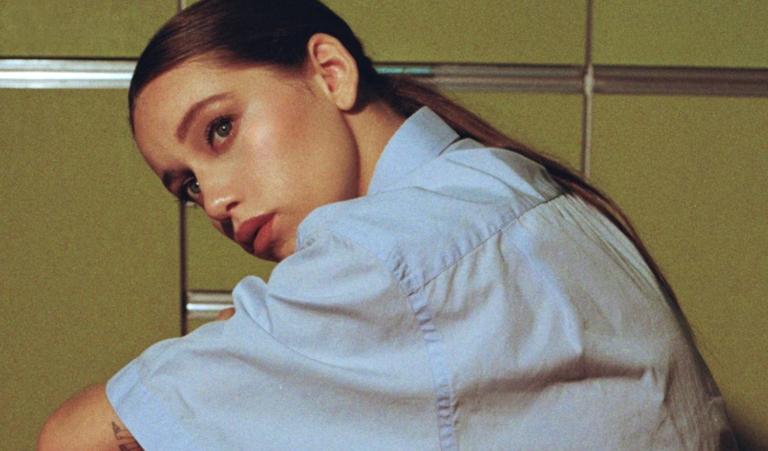 Eva B empieza 2021 con el estreno de su nuevo single 'Frío y Calor'