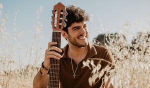 Rafa Romera: «Tenía mucho miedo de grabar mi single pero al final lo acabé haciendo un día antes de entrar a OT»