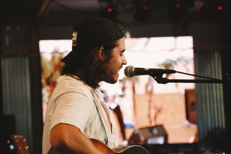 Roi Méndez empieza su gira acústica en Valencia